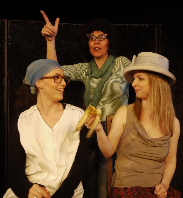 Es spielen: Lena Böhm,. Claudia Riese, Regina Hellmann
